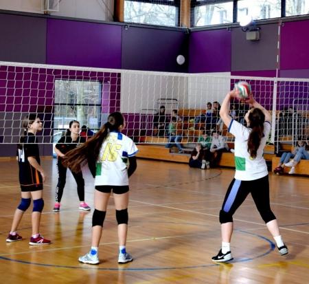 Udany turniej Półfinałów Wojewódzkich w piłce siatkowej dziewcząt
